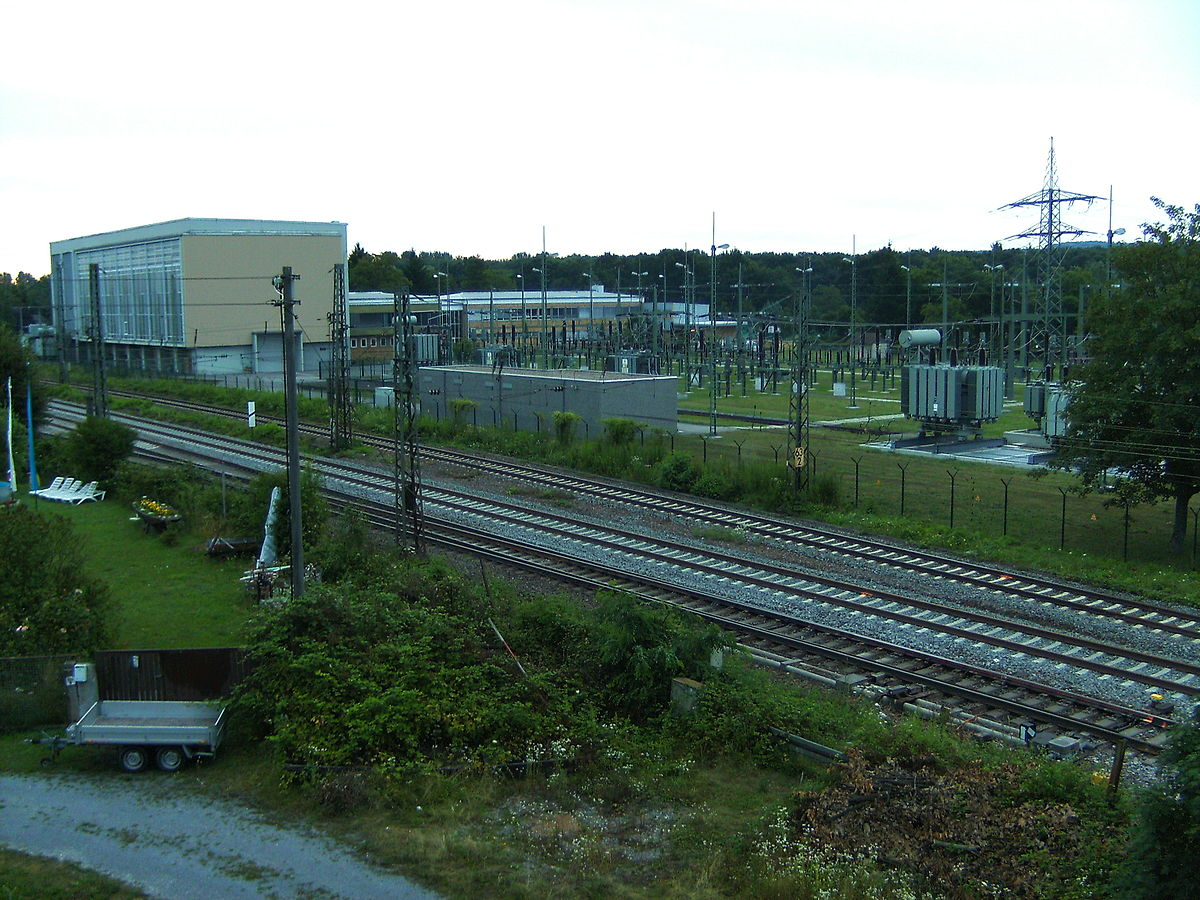 Traction substation - Wikipedia