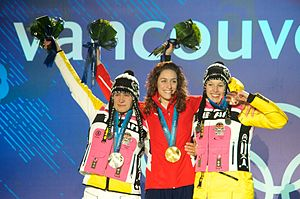 2010 Winter Olympics medal table - From left to right: Kerstin Szymkowiak of Germany (silver), Amy Williams of Great Britain (gold) and Anja Huber of Germany (bronze) with the medals they earned in women's skeleton.