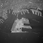 Kobe Portisland-Aerial photography 1976.jpg
