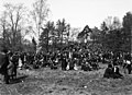 Kommunistien vapun viettoa Eläintarhassa - N2090 (hkm.HKMS000005-000001iy).jpg