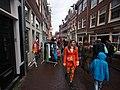 Koningsdag in Amsterdam, Tweede Anjeliersdwarsstraat foto 2.JPG