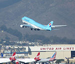 Korean Air Lines, Boeing 747-8B5, HL7632.jpg