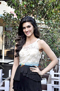Kriti Sanon at the trailer launch of 'Heropanti'.jpg