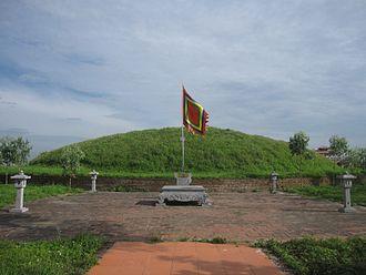 Trần Thái Tông - Tomb of Trần Thái Tông in Long Hưng, Thái Bình Province.