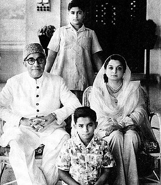 Liaquat Ali Khan - The historical photo of family of L.A. Khan his wife and children, 1949 circa.