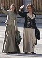 La reina Sofia y la princesa Letizia en la Pascua Militar de 2009.jpg