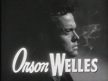 English: Screenshot of Orson Welles in The Lad...