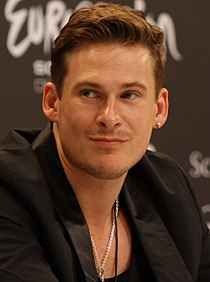Lee Ryan 2011 cropped.jpg