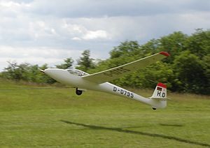 Glasflügel H-301 - H-301 being launched by winch