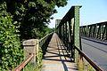 Linzer Eisenbahnbrücke Gehweg.jpg