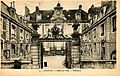 Lisieux hotel de ville.jpg