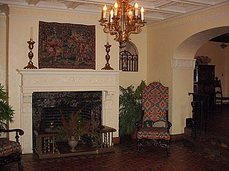 Commodore Apartment Building (Louisville, Kentucky) - Image: Lobby 1