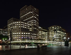 1 Cabot Square - Image: London MMB «B5 West India Quay and 1 Cabot Square