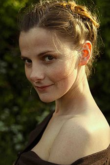 Louise Brealey v roce 2009