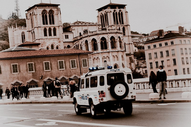 File:Lyon St. Jean.jpg