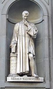 Estátua de Maquiavel na Galleria degli Uffizi.
