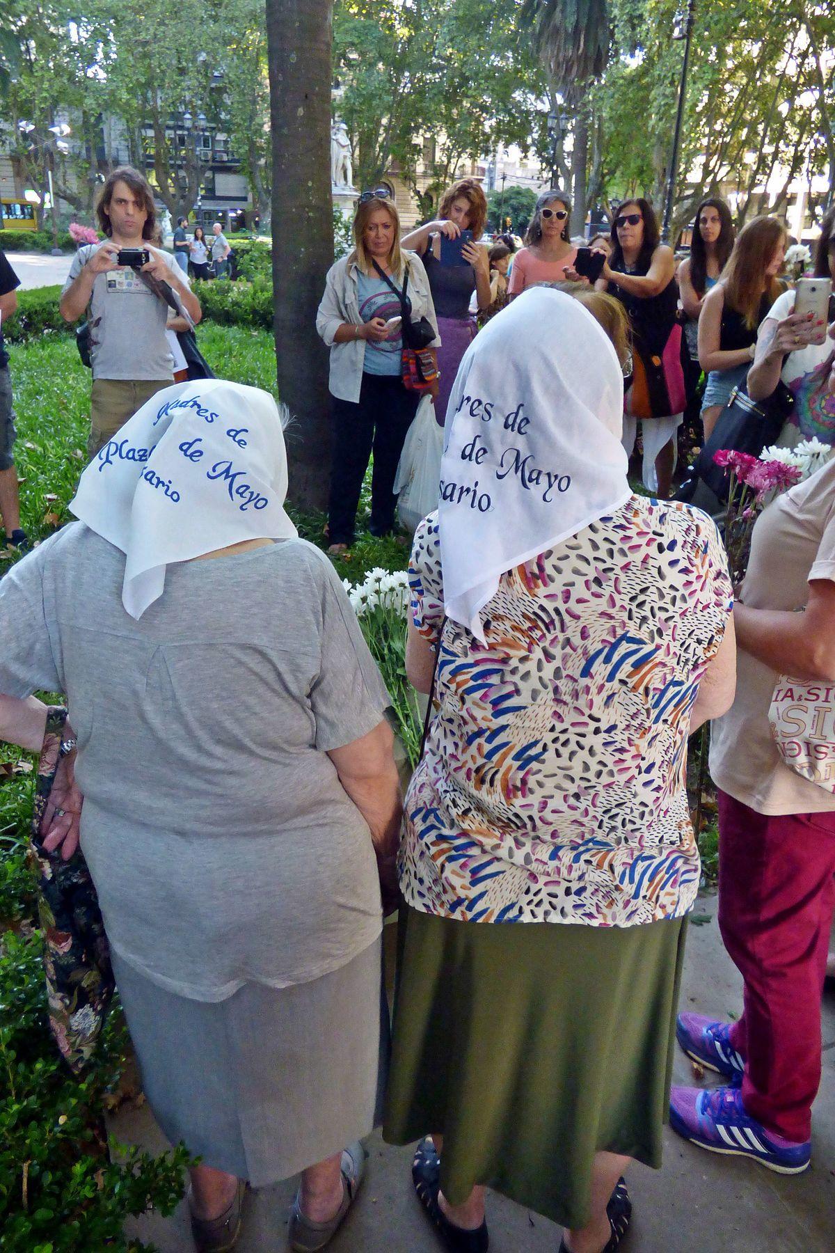 Madres de la Plaza 25 de Mayo - Wikipedia, la enciclopedia libre