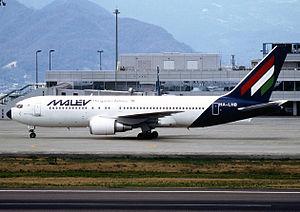 Malev B767-200ER HA-LHB takamatsu.jpg