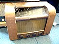 Marconiphone T19A tube radio, UK, around 1949.jpg