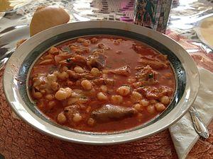 Menudo (soup) - Image: Menudo (sopa de México)