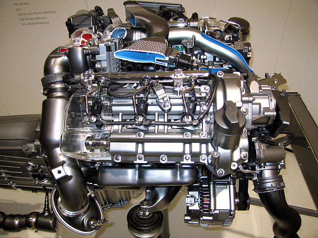 file mercedes e300 w211 bluetech engine 2 jpg wikimedia commons