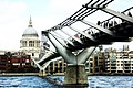 Millennium Bridge, London - panoramio.jpg