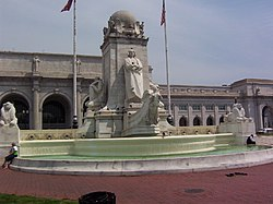Monumento a Cristobal Colon - Washington DC.jpg