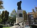 Monumento caduti Avezzano lato destro.jpg