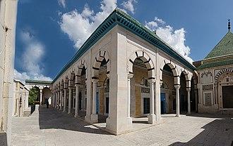 Hammouda Pacha Mosque - Image: Mosquée Hamouda Bacha, Tunis 21 septembre 2013 (panoramique)