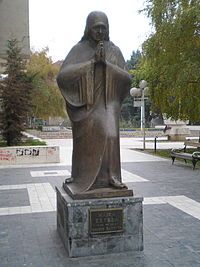 200px-Mother_Teresa_Skopje dans Religion