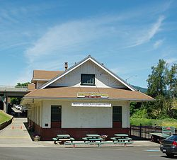 Mount Hood Railroad Depot - Hood River, Oregon.JPG