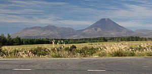 Mt Tongariro ^ Ngaruhoe from National Park - Flickr - 111 Emergency.jpg