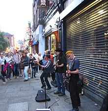 Musicisti di strada in concerto a Temple Bar