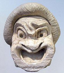 Máscara teatral perteneciente al tipo de primer esclavo de la Comedia Nueva, siglo Ia.C., Museo Arqueológico Nacional  de Atenas.