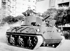 Tanque Argentino 1945  300px-Nahuel_Tank