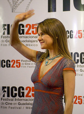 19th TVyNovelas Awards - Nailea Norvind, Winner for Best Antagonist Actress