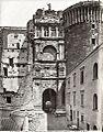 Napoli, Castel Nuovo, crollo torre di mezzo 1.jpg