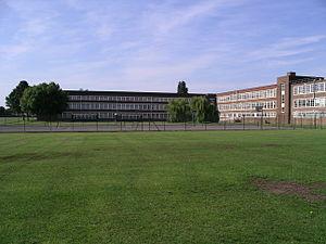 Nicholas Chamberlaine School - Image: Nc school bedworth 2 3u 07