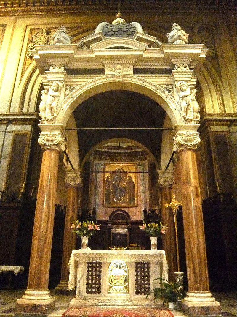 Nef de la Basilique Saint-Chrysogone.JPG