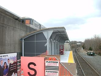 Lindenwold station - New NJT shelter under construction in December 2011