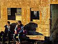 Niños Sentados Estación Forel.jpg