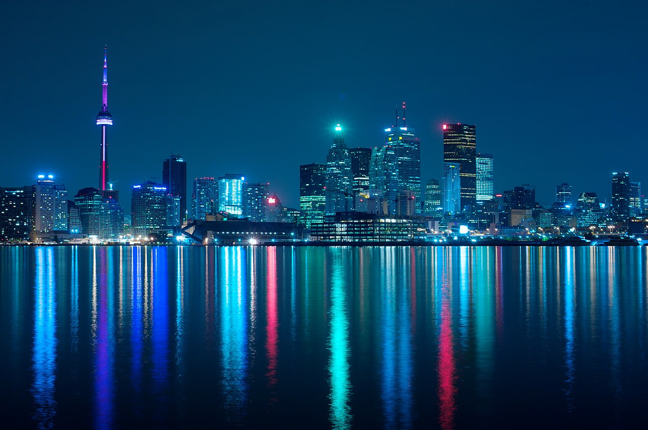 File:Night skyline of Toronto May 2009.jpg