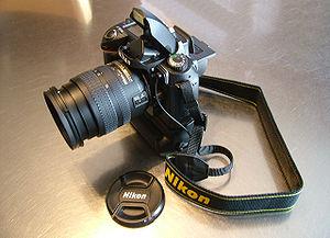 Nikon D70 - Image: Nikon D70S