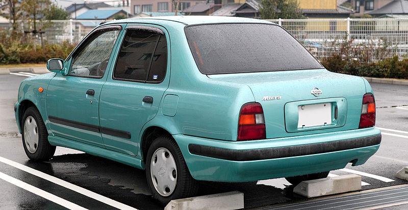 800px-Nissan_March_sedan_001.JPG
