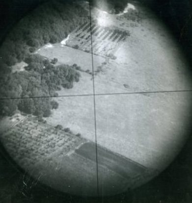 Norden bombsight crosshairs