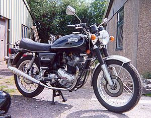 Straight-twin engine - Norton Commando Interstate, a motorcycle with a parallel-twin engine
