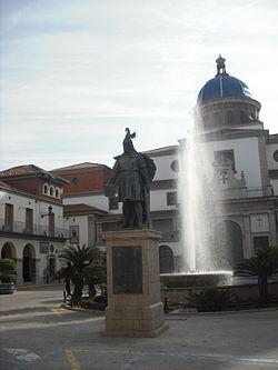 Nules. Plaça Major. Jaume I.JPG