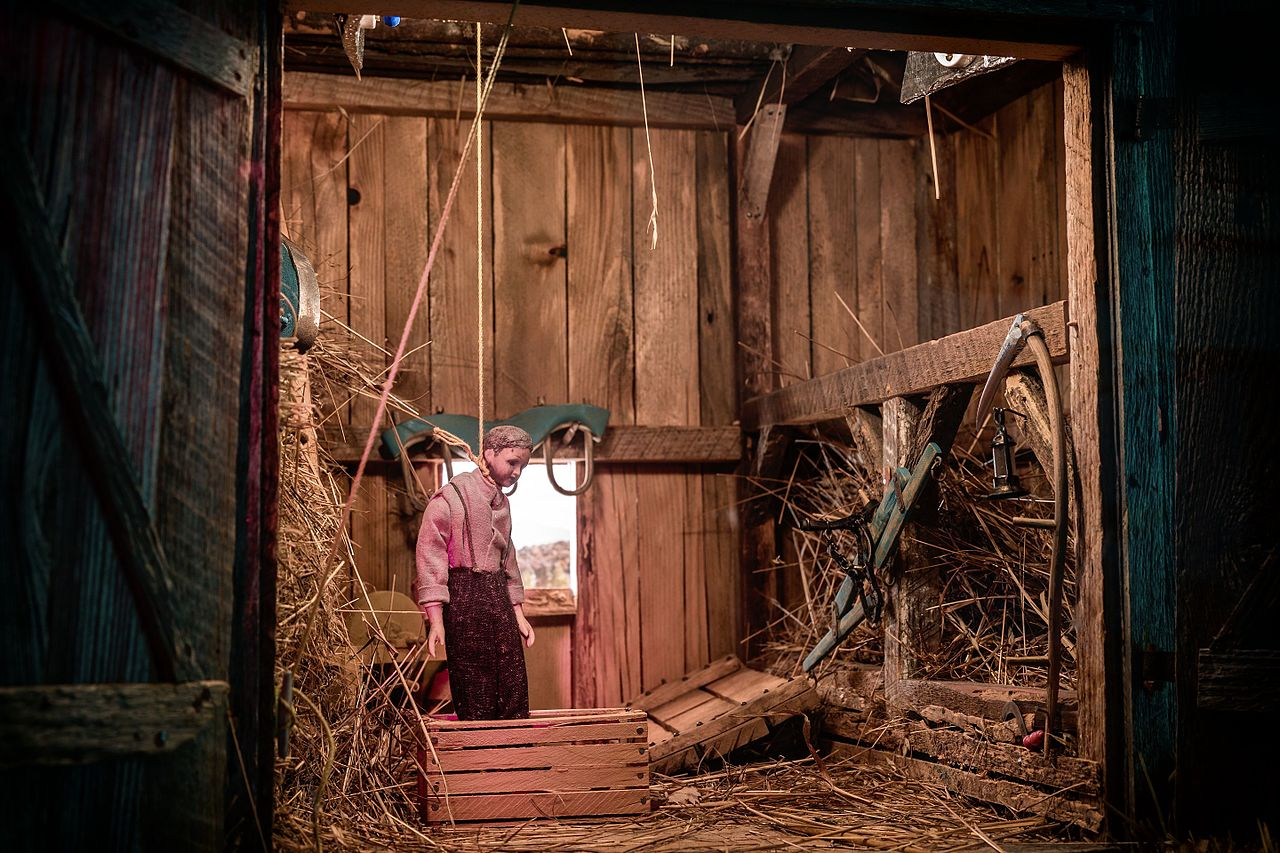 File Nutshell Studies Of Unexplained Death Barn Diorama 2