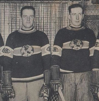 Sprague Cleghorn - Cleghorn c. 1924 (right) playing for the Canadiens with his brother (left)