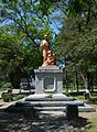Oleshky (Tsuriupynsk) Central Park Brothery Graves and Monument of WW2 Warriors 01 (YDS 0392).jpg